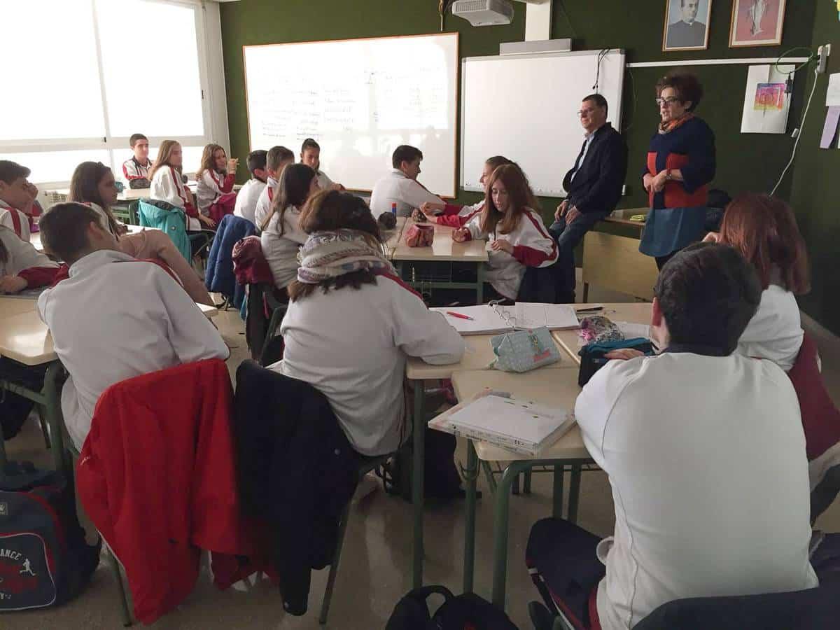 Presentacion programa de acogida familiar en Herencia1 - Varios centros educativos de Herencia conocen los programas de acogimiento familiar