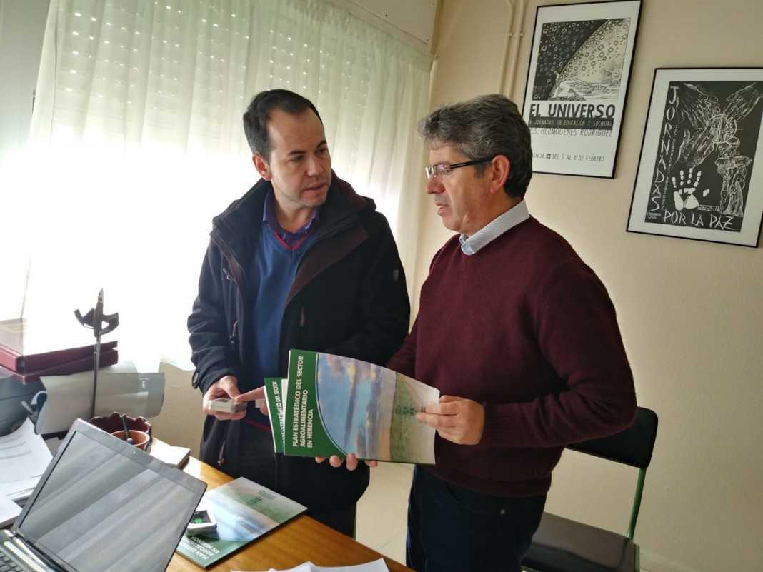 huerto escolar ies hermogenes rodriguez 1068x801 - El plan estratégico agroalimentario de Herencia llega al IES Hermógenes Rodríguez