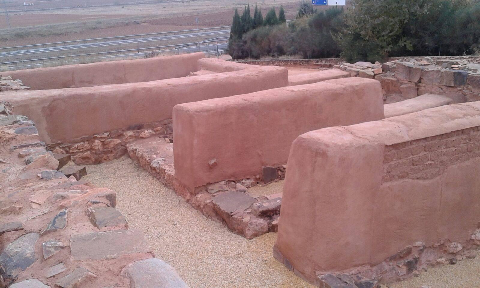universidad popular herencia visita parques arqueologicos 2 - La Universidad Popular de Herencia visita el Cerro de las Cabezas