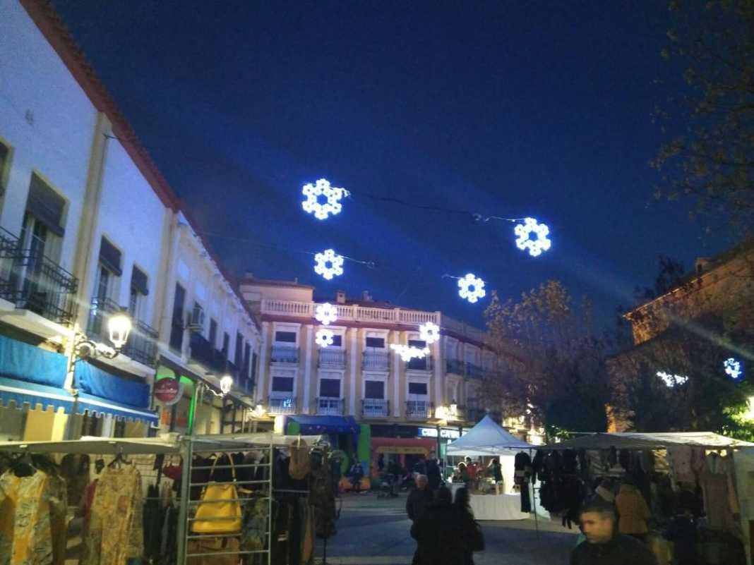 0004Encendido iluminacion ornamental de Navidad en Herencia 1068x801 - Encendida la iluminación ornamental para la Navidad en Herencia