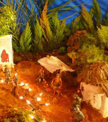 03 Juan Sanchez Aguilera en la ermita de San Bartolome06 373x420 - Galería de imágenes de la III Muestra de belenes de Herencia