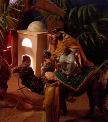 04 Josefa Fdez de la Puebla y Eugenio Moreno05 374x420 - Galería de imágenes de la III Muestra de belenes de Herencia