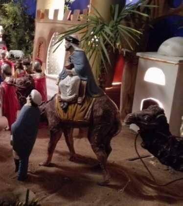 04 Josefa Fdez de la Puebla y Eugenio Moreno06 374x420 - Galería de imágenes de la III Muestra de belenes de Herencia