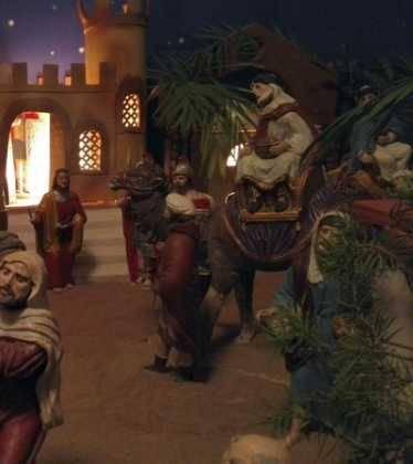 04 Josefa Fdez de la Puebla y Eugenio Moreno08 374x420 - Galería de imágenes de la III Muestra de belenes de Herencia
