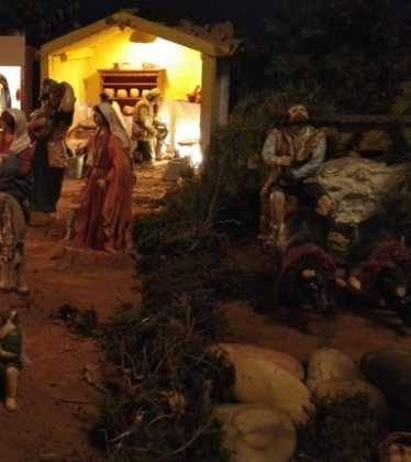 04 Josefa Fdez de la Puebla y Eugenio Moreno10 374x420 - Galería de imágenes de la III Muestra de belenes de Herencia