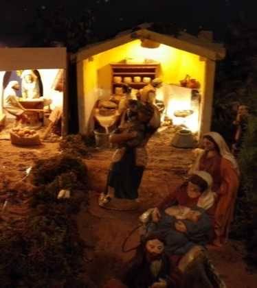 04 Josefa Fdez de la Puebla y Eugenio Moreno12 374x420 - Galería de imágenes de la III Muestra de belenes de Herencia