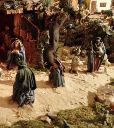 05 Belen de la Familia Gallego de la Sacristana Glez Ortega00 374x420 - Galería de imágenes de la III Muestra de belenes de Herencia