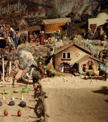 05 Belen de la Familia Gallego de la Sacristana Glez Ortega02 374x420 - Galería de imágenes de la III Muestra de belenes de Herencia