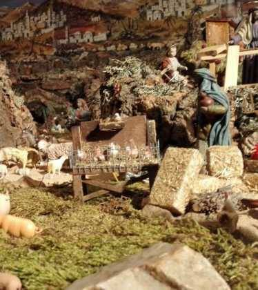 05 Belen de la Familia Gallego de la Sacristana Glez Ortega03 374x420 - Galería de imágenes de la III Muestra de belenes de Herencia