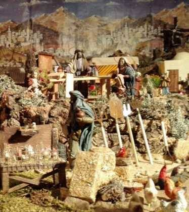05 Belen de la Familia Gallego de la Sacristana Glez Ortega04 374x420 - Galería de imágenes de la III Muestra de belenes de Herencia