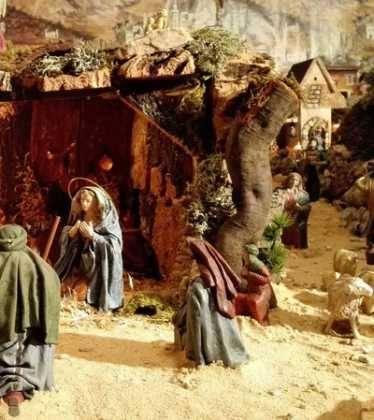 05 Belen de la Familia Gallego de la Sacristana Glez Ortega06 374x420 - Galería de imágenes de la III Muestra de belenes de Herencia