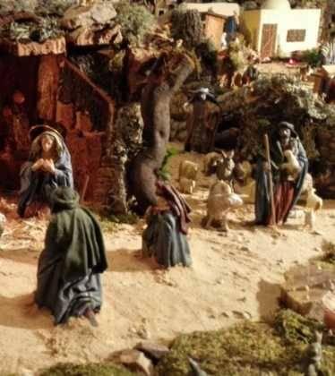 05 Belen de la Familia Gallego de la Sacristana Glez Ortega10 374x420 - Galería de imágenes de la III Muestra de belenes de Herencia