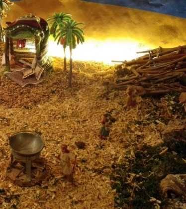 08 Belen de Pedro Cobos00 374x420 - Galería de imágenes de la III Muestra de belenes de Herencia