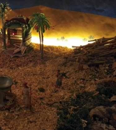 08 Belen de Pedro Cobos08 374x420 - Galería de imágenes de la III Muestra de belenes de Herencia