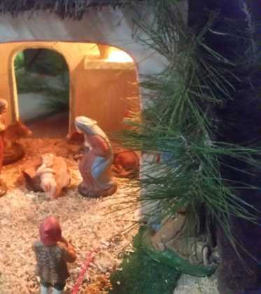 09 Belen de la ermita de San Jose realizado por Chamusca00 373x420 - Galería de imágenes de la III Muestra de belenes de Herencia
