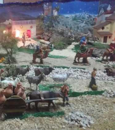 09 Belen de la ermita de San Jose realizado por Chamusca03 373x420 - Galería de imágenes de la III Muestra de belenes de Herencia