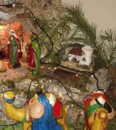 10 Belen de la Gema Gallego de la Sacristana09 374x420 - Galería de imágenes de la III Muestra de belenes de Herencia