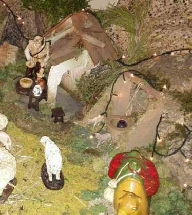 10 Belen de la Gema Gallego de la Sacristana12 374x420 - Galería de imágenes de la III Muestra de belenes de Herencia