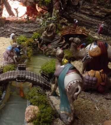 11 Belen de Ascen Diaz05 374x420 - Galería de imágenes de la III Muestra de belenes de Herencia