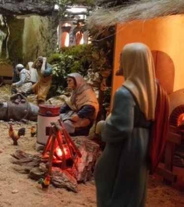 11 Belen de Ascen Diaz10 374x420 - Galería de imágenes de la III Muestra de belenes de Herencia