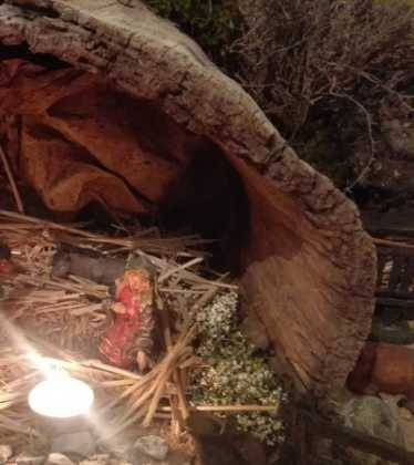 13 Belen de Jesus Gomez Calcerrada02 374x420 - Galería de imágenes de la III Muestra de belenes de Herencia