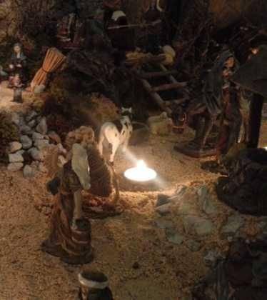 13 Belen de Jesus Gomez Calcerrada05 374x420 - Galería de imágenes de la III Muestra de belenes de Herencia