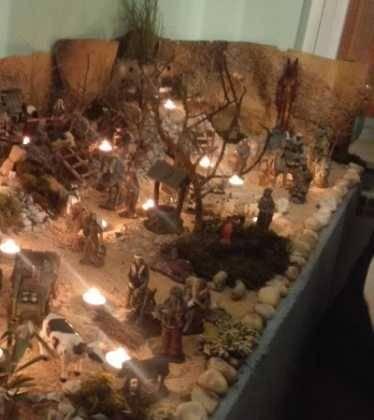 13 Belen de Jesus Gomez Calcerrada06 374x420 - Galería de imágenes de la III Muestra de belenes de Herencia