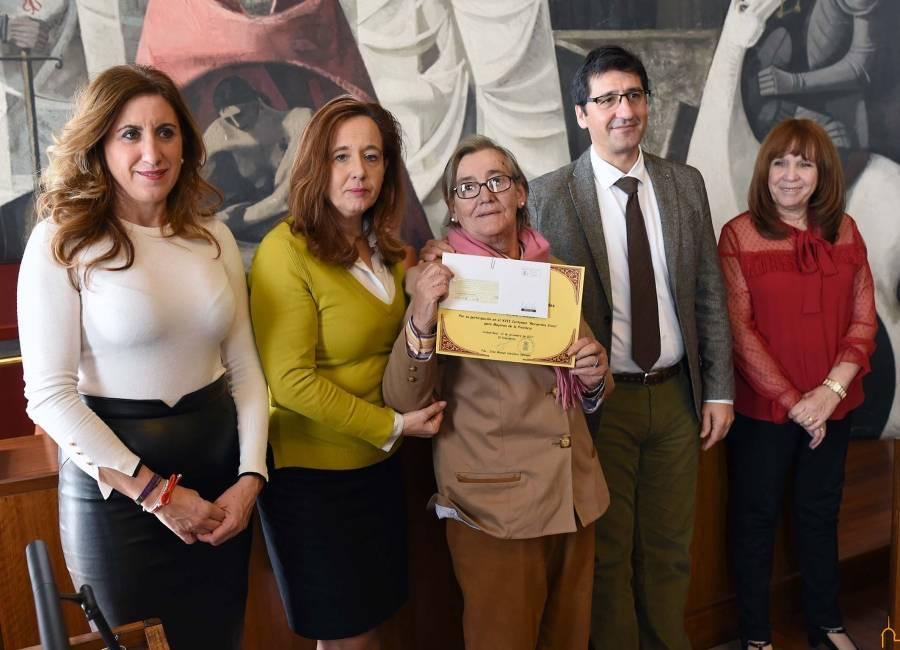 María Victoria Marcos premiada en el certamen Recuerdos Vivos de la diputacion - La herenciana María Victoria Marcos premiada en el Certamen Provincial Recuerdos Vivos