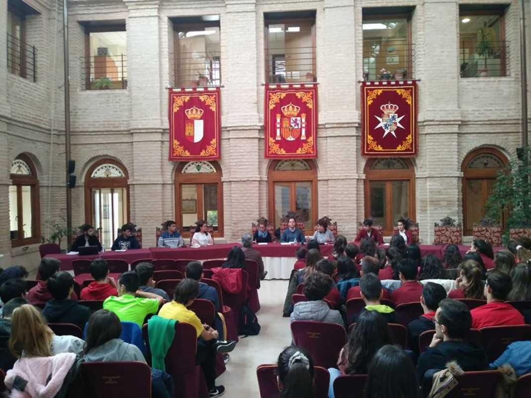 Celebrados los plenos infantiles y juveniles previos al aniversario de la Constitución 24