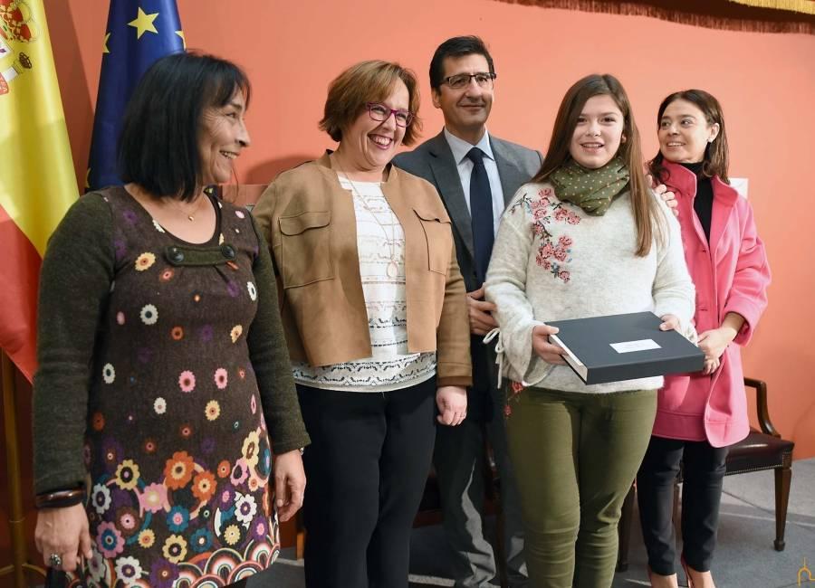 Dos alumnas del colegio Ntra. Sra. de Las Mercedes premiadas por la Diputación 6