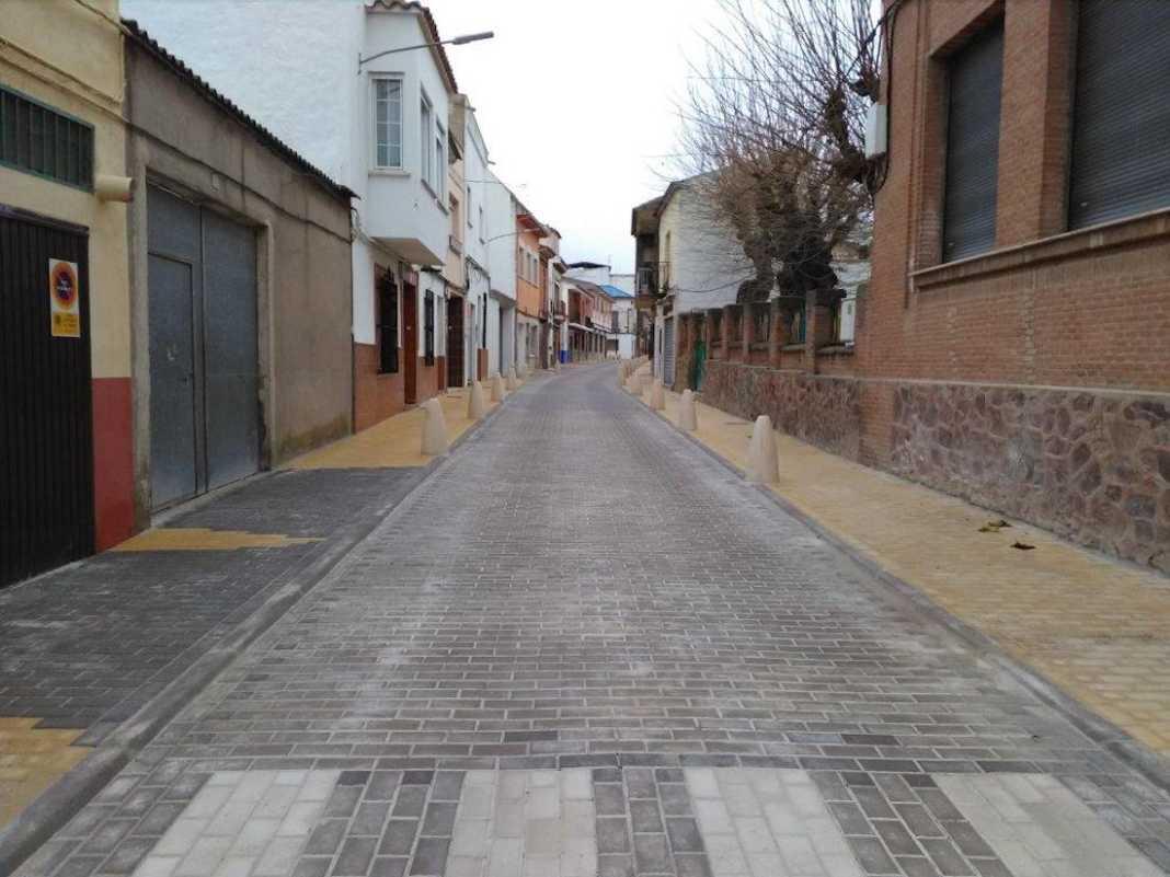 calle francisco fernandez mazarambroz semipeatonal 1068x801 - Abierta a la circulación la renovada calle Francisco Fernández Mazarambroz