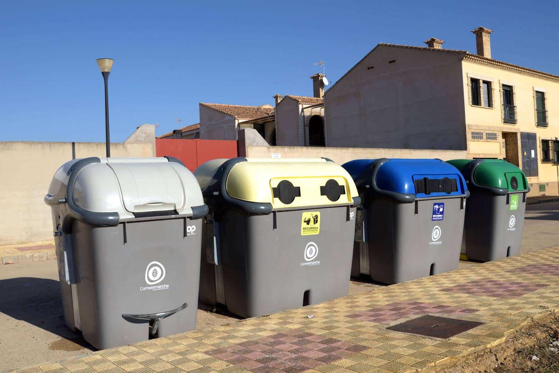 cenizas contenedores - La línea amarilla aumentará su presencia en los municipios de Comsermancha con 144 nuevos contenedores