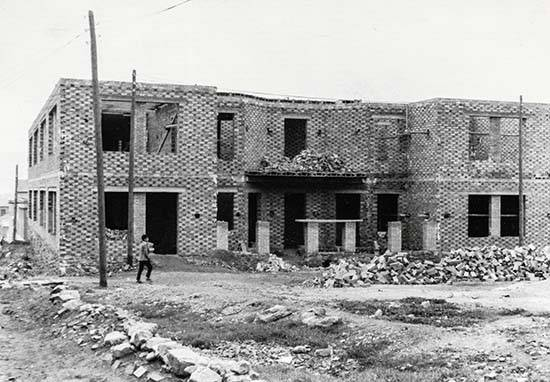 Colegio San Jos%C3%A9 01 - Un sacerdote de Herencia en Puertollano: Cincuenta años del Colegio San José (Teresianas) 1967-2017