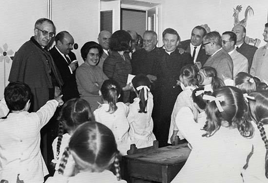 Colegio San Jos%C3%A9 03 - Un sacerdote de Herencia en Puertollano: Cincuenta años del Colegio San José (Teresianas) 1967-2017