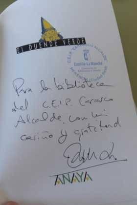 Emilio Calderon en el CEIP Carrasco Alclade3 280x420 - Encuentro del escritor Emilio Calderón con jóvenes de los centros educativos de Herencia