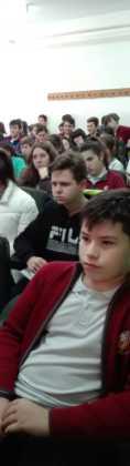 Emilio calderon en un encuentro con jóvenes de Herencia 118x420 - Encuentro del escritor Emilio Calderón con jóvenes de los centros educativos de Herencia