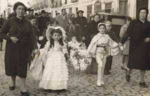 jinetas carnaval herencia fotos 1 300x191 - Las Jinetas, símbolo fundamental del Carnaval de Herencia