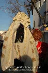 "mascara callejera carnaval herencia 3 199x300 - La ""máscara callejera"" del Carnaval de Herencia"
