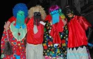 "mascara callejera carnaval herencia 6 300x191 - La ""máscara callejera"" del Carnaval de Herencia"
