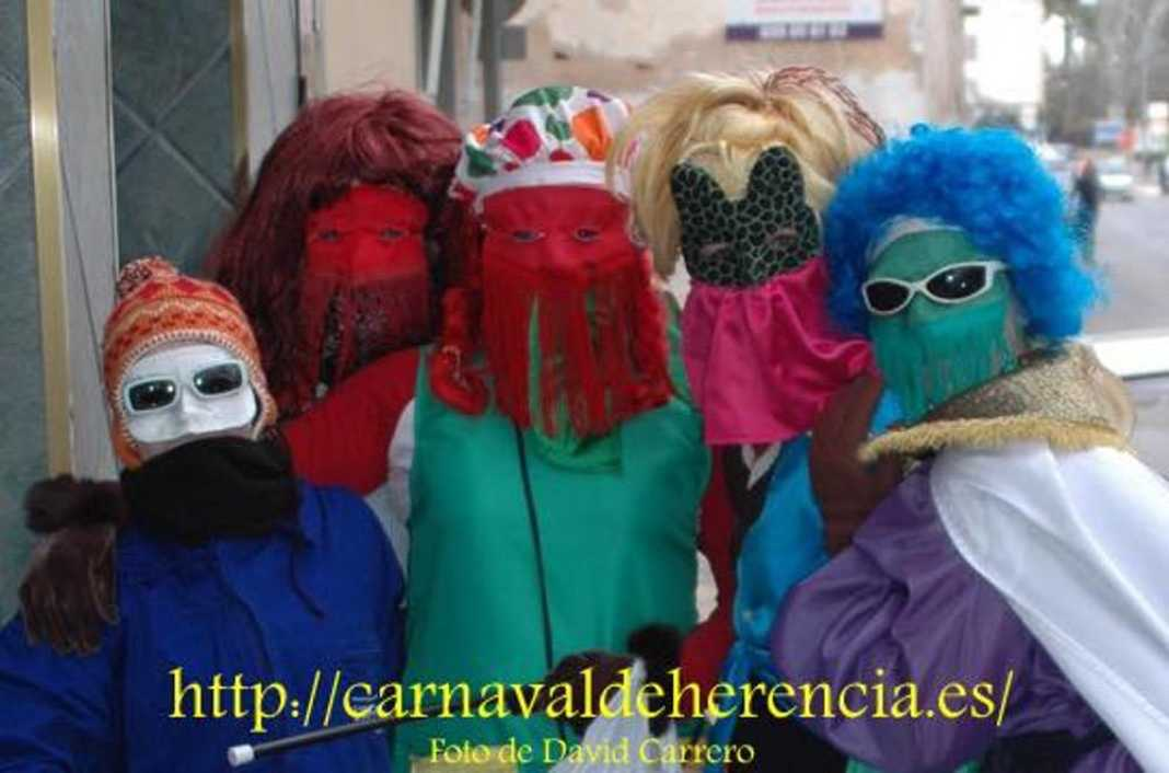 "mascara callejera carnaval herencia 7 1068x706 - La ""máscara callejera"" del Carnaval de Herencia"