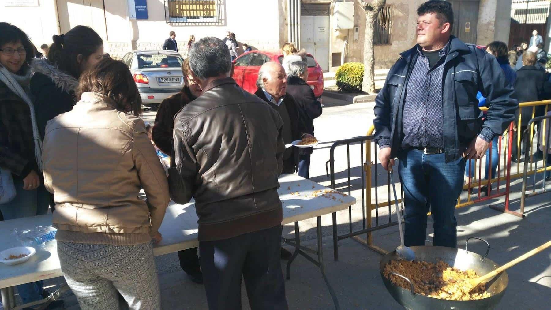 migas manchegas san anton - Herencia celebró la festividad de San Antón con su tradicional hoguera