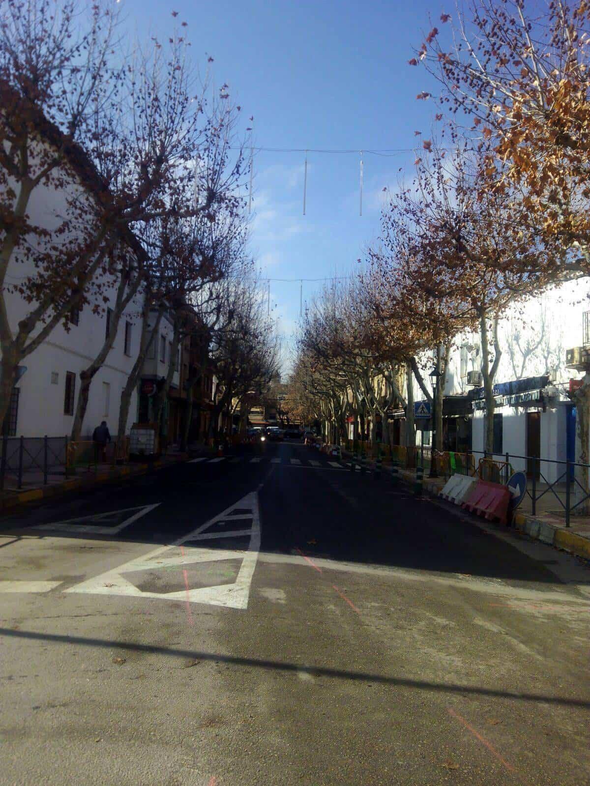 obras herencia avda constitucion 1 - Obras por el nuevo colector en zona de Avenida de la Constitución en Herencia