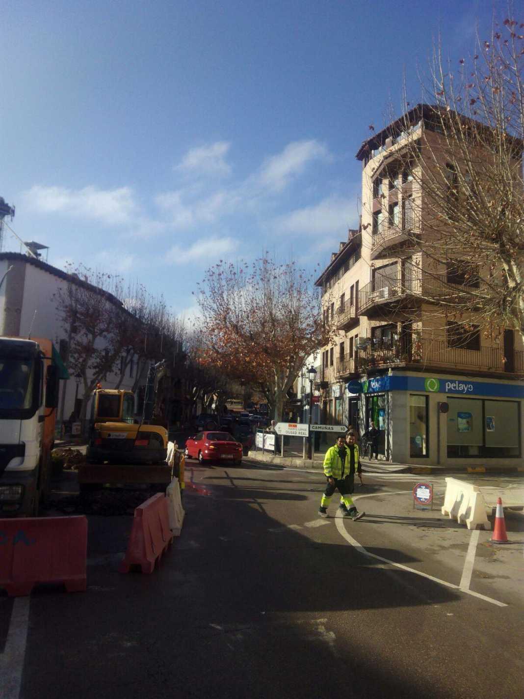 Obras por el nuevo colector en zona de Avenida de la Constitución en Herencia 10