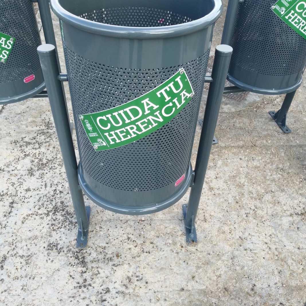 """papeleras herencia 1068x1068 - Nuevas papeleras para la Campaña de limpieza """"Cuida tu Herencia"""""""