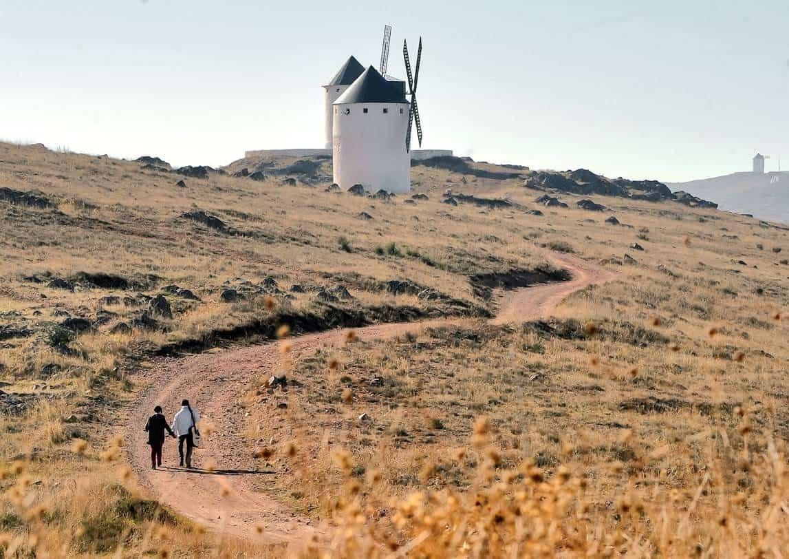 Cis Adar Miguel y MAriavi en los molinos de Herencia - Concierto de Cis Adar en Quintanar de la Orden