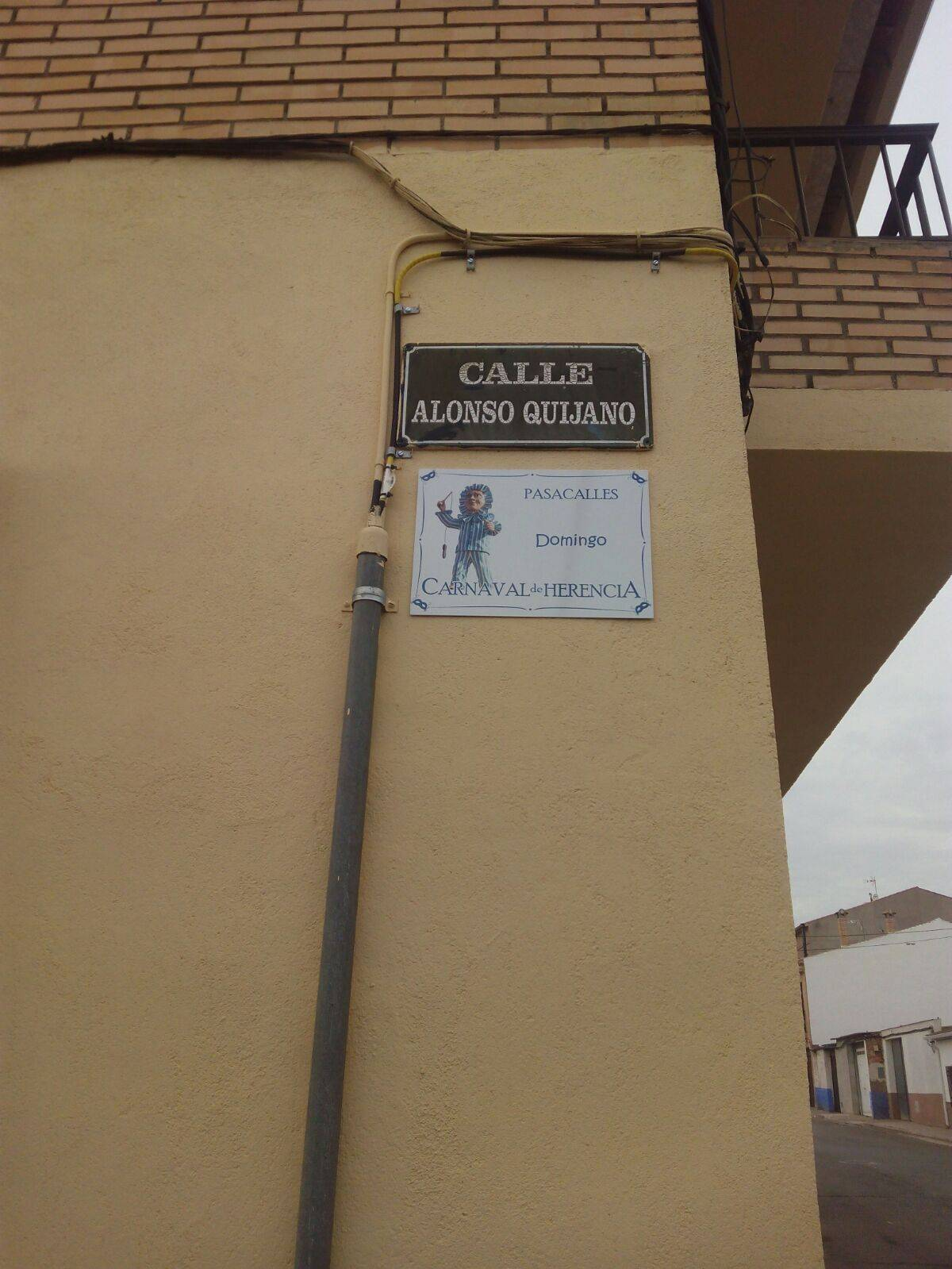 Placas informativas del Carnaval de Herencia en algunas calles 8