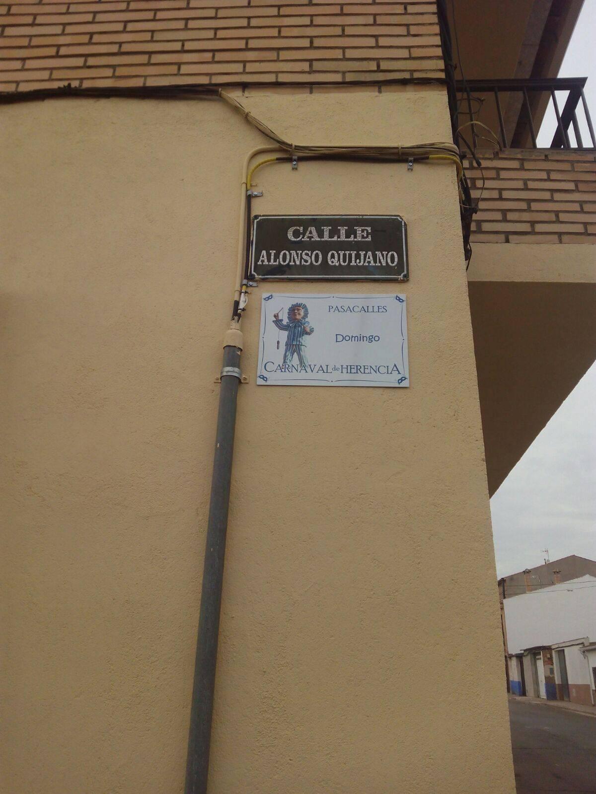 carteles carnaval herencia calles 1 - Placas informativas del Carnaval de Herencia en algunas calles