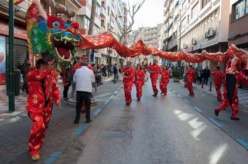 dragon axonsou domingo pinata ciudad real 2018 - El Carnaval de Herencia presente en los principales rincones de la región