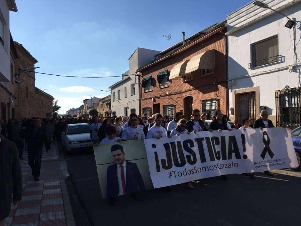 manifestacion pacifica gonzalo - Más de 2.500 personas en la Manifestación Pacífica por Gonzalo