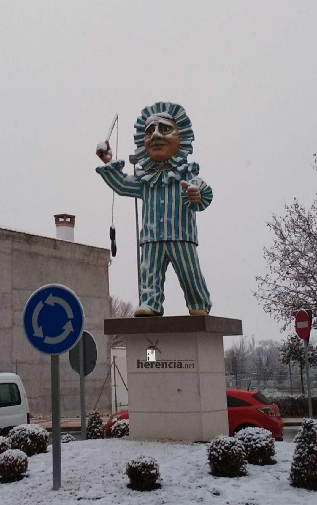 perle nevado herencia 1068x1699 - Perlé nevado para inaugurar el Carnaval de Herencia